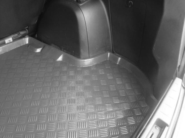 Dywanik Do Bagażnika Audi A4 B6 B7 Avantkombi Od 2001 2007r Mix